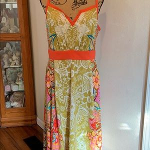 Absolutely gorgeous Nine West high low dress